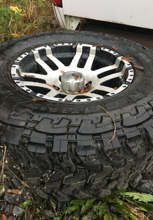 """4 Toyo tires and 3 17""""wheels. for Sale in Snohomish, WA"""