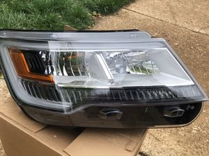 Ford Explorer 2018 left headlight for Sale in Alexandria, VA