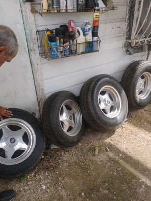 Fits Ford and Dodge. - 350$ is the Lowest I Go. for Sale in San Antonio, TX