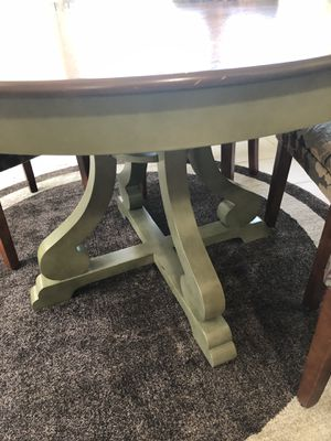 Round Wooden Kitchen Table for Sale in Mount Juliet, TN