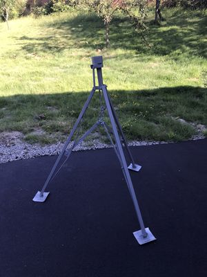 5th Wheel King Pin Tripod Stabilizer for Sale in Snohomish, WA