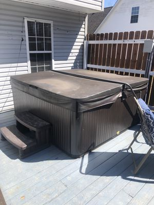5 seater hot tub for Sale in GOODLETTSVLLE, TN