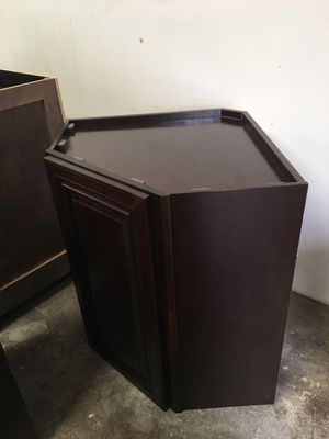 Cabinets wood 💯% solid $185 linear feet for Sale in Houston, TX