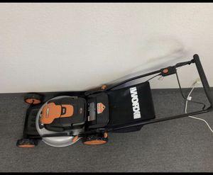 Worx 2 in 1 bag/mulch Lead Acid Lawn Mower WG 770 for Sale in Huntington Beach, CA