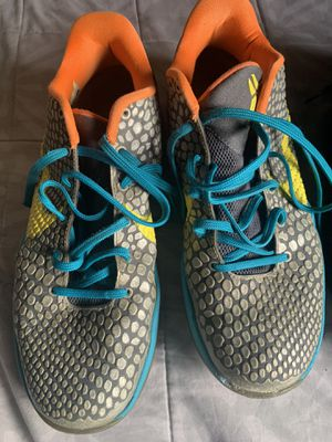 NIKE KOBE SHOES SIZE 11 for Sale in Los Angeles, CA