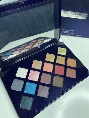 Fenty beauty eyeshadow pallet for Sale in Long Beach, CA