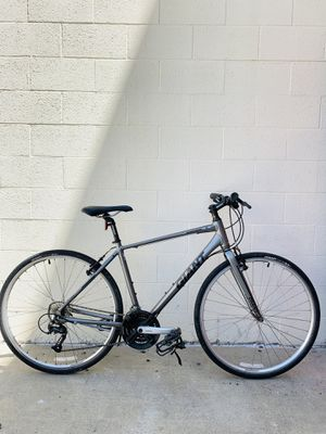 Giant Escape Road Hybrid Bike Size M Mountain Cruiser beach for Sale in Los Angeles, CA