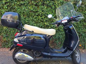 Italian Vespa LX-150 for Sale in Lafayette, CA