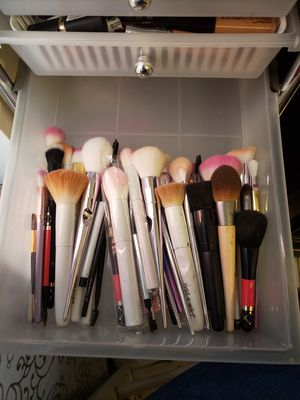 Makeup brushes for Sale in Kissimmee, FL