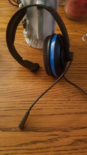 Headphone and mic for Sale in Centreville, VA