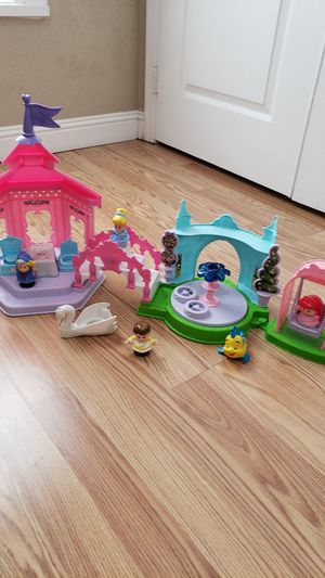 Fisher Price Little People Disney Princess Cinderella Garden Party Playhouse Dollhouse Playset for Sale in Phoenix, AZ