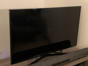 Samsung 40-Inch Smart TV w/Remote for Sale in Seattle, WA