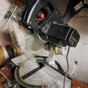 MITER SAW BLACK AND DECKER MODEL 1703-1 for Sale in White Plains, NY