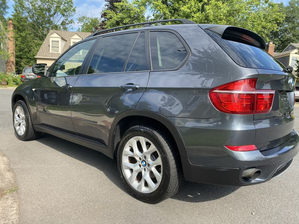 2011 BMW X5 3.5is Nice Package