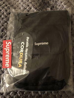 SUPREME SS19 SHOULDER BAG BLACK for Sale in Everett, WA