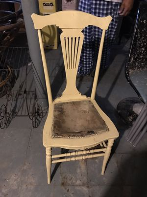 Lots of old/antique furniture for Sale in Pittsburgh, PA