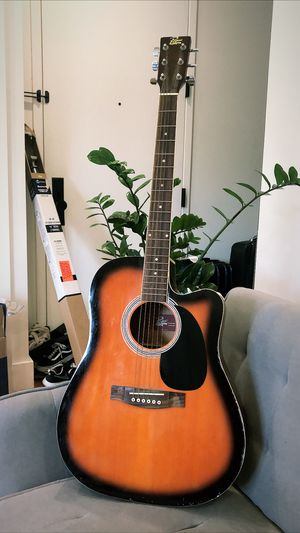 Acoustic Guitar for Sale in Brooklyn, NY