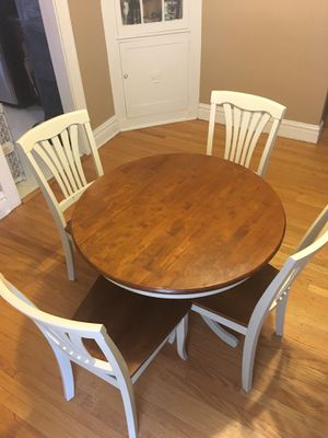 Dining room table and 4 chairs for Sale in Hammond, IN