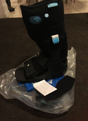Form fit walker air low top. LG Brand new for Sale in South Gate, CA