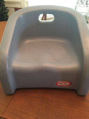 Little tykes toddler booster seat for Sale in Centreville, VA