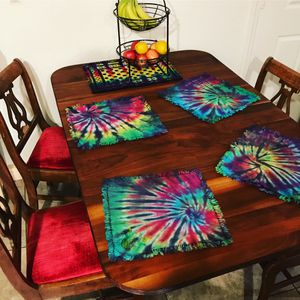 Antique table and chairs for Sale in North Las Vegas, NV
