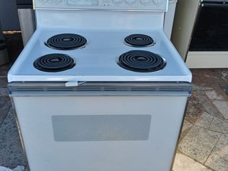 Whirlpool Electric Stove for Sale in Chandler,  AZ