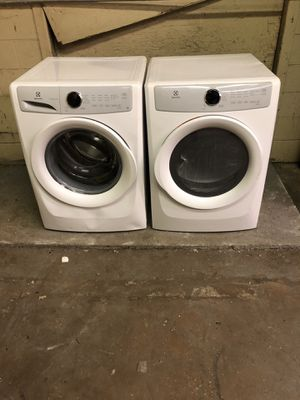 Brand Electrolux washers and dryer for Sale in Colonial Heights, VA