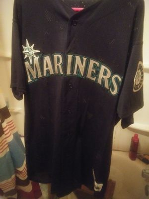 Signed 1999 authentic Ken griffey jr jersey. Value $2100 asking$ 850 obo for Sale in Seattle, WA