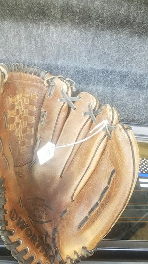"Baseball/softball glove, 13"" for Sale in Whittier, CA"