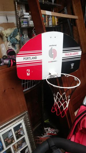 Vintage Portland Trail Blazers basketball hoop for Sale in Puyallup, WA