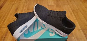 Nike SB size 9 for Men for Sale in Paramount, CA