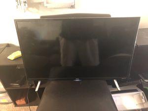 "TCL Roku Smart TV 32"" for Sale in Las Vegas, NV"