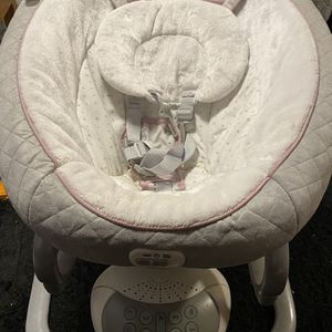 Graco Everyway Soother for Sale in Malden, MA