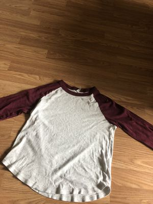 size L, h&m baseball tee for Sale in Parma Heights, OH