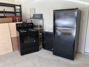 Whirlpool appliance set for Sale in Webberville, TX