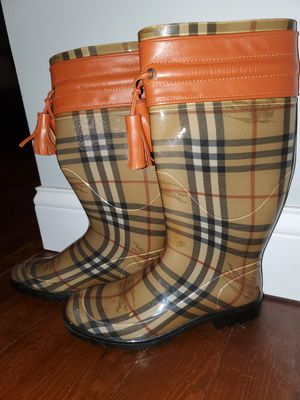 Burberry Rain boots for Sale in Pontiac, MI