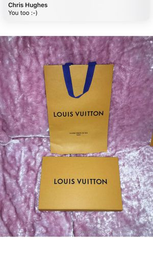 """Authentic Louis Vuitton Magnetic Gift Box 12"""" x 8"""" x 2.25"""" W/ Gift Bag. for Sale in Bellevue, WA"""