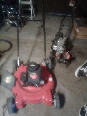 500cc lawn mower lightly used well taken care of and a edged 225$ for both obo***that's a offer that can't be beat!!! for Sale in Las Vegas, NV