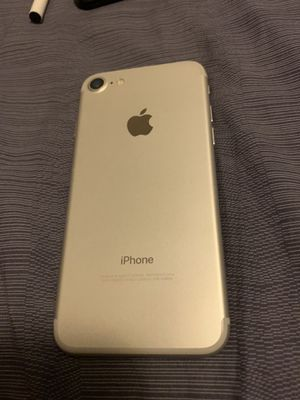 iPhone 7 regular 128 gbs factory unlock to any carrier for Sale in Los Angeles, CA