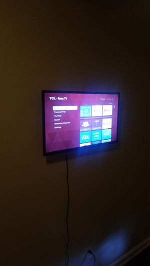 32' TCL Roku TV for Sale in Lorain, OH
