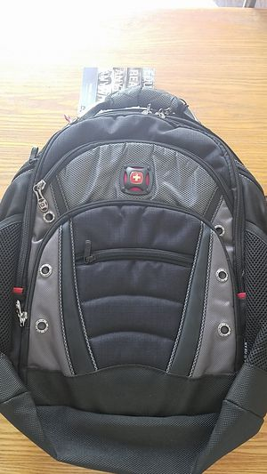 Wenger Synergy Laptop Backpack, Black/Gray for Sale in Fresno, CA