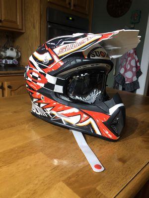 Dietbike helmet with Oakley goggle for Sale in Sulphur, LA