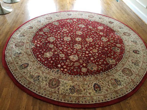 8 foot round 100% wool rug