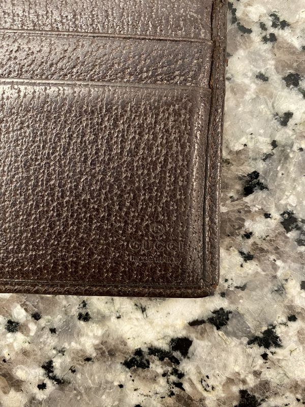 Gucci wallet (used)
