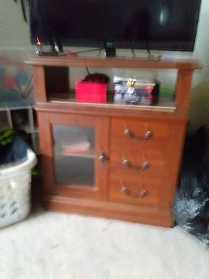 Very nice tv stand for Sale in Bloomington, IL