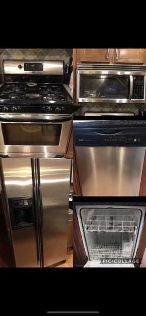 Whole kitchen set Kenmore for Sale in Zion, IL