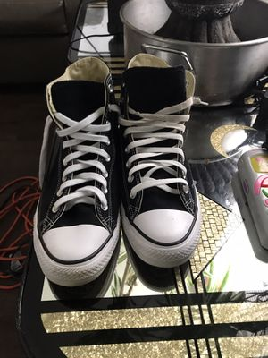 Converse all star chuck taylor black and white size 10 for Sale in Columbus, OH