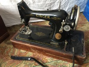 Singer Sewing Machine 1920's for Sale in Lincolnwood, IL