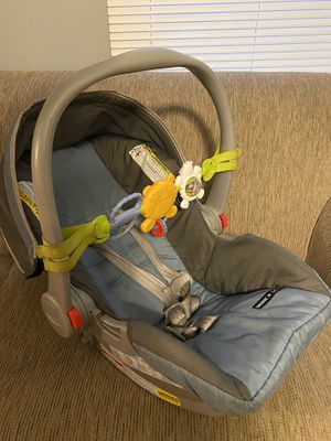 Car seat for Sale in Garden City, MI