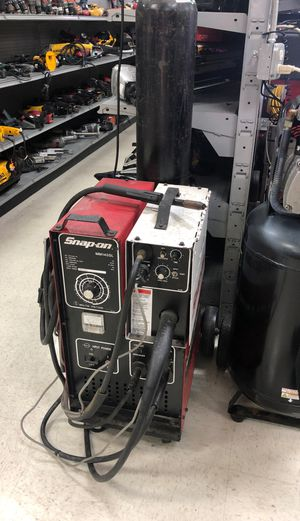 Snap on welder mm140sl $1,499.99 ask for Walter for Sale in Orlando, FL